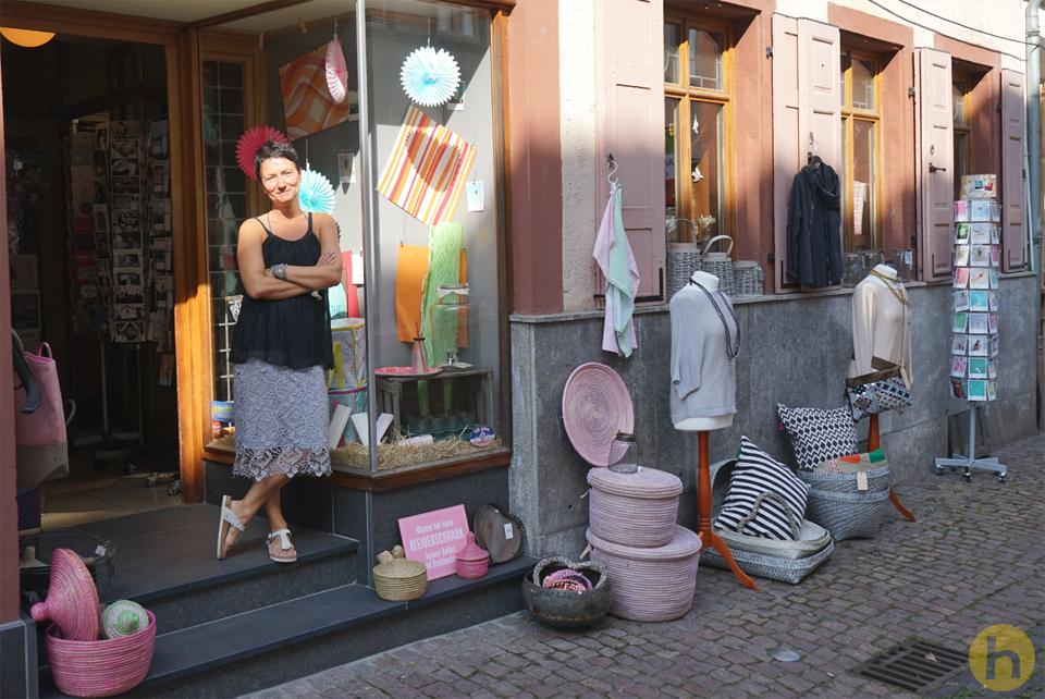Tanja Eidmann vor dem Jungbrunnen
