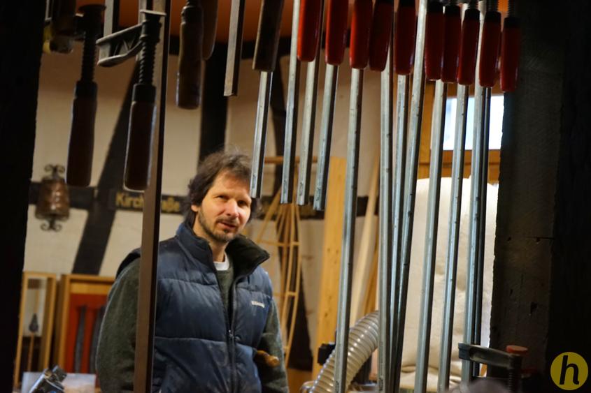 Roger Rigorth in seiner Werkstatt in Altheim